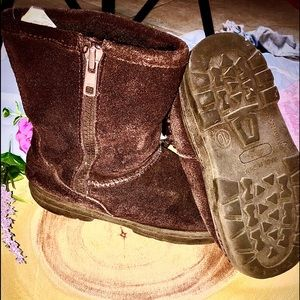 toddlers suede boots